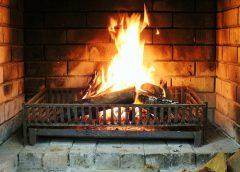 Обращение с огнем дома